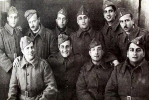Αυτοί είναι οι Έλληνες ηθοποιοί και καλλιτέχνες που πολέμησαν το 1940 (PHOTOS)
