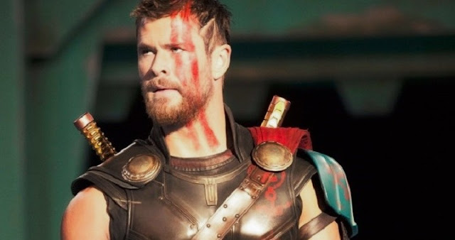 Chris Hemsworth en más imágenes de Thor: Ragnarok