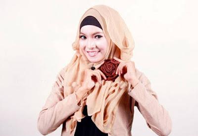Jilbab paris segi empat model terbaru