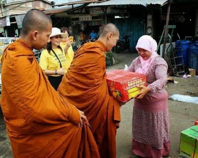 Budha Wirathu Sebut Muslim Rohingya Sebagai Anjing Gila