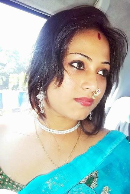 Payal Bhabhi Hot Aunty In Saree Photos  Hot And Sexy-8928