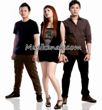 download lagu cassandra