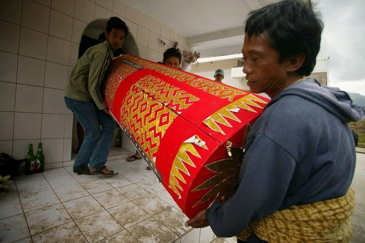 Ritual Ma' Nene' - Walking Dead From Toraja