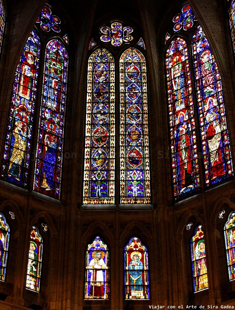 El interior de la catedral de Len la pulchra leonina