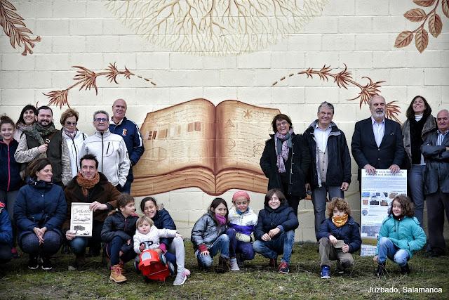 Juzbado, mural libro abierto Joaquin Vila Pablo Herrero