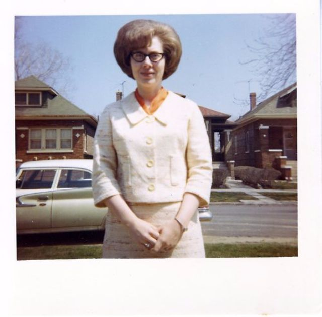 35 Interesting Vintage Snapshots Of 1960s Women With