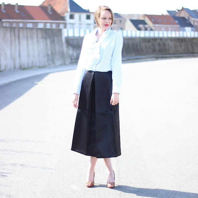 outfit black midi skirt