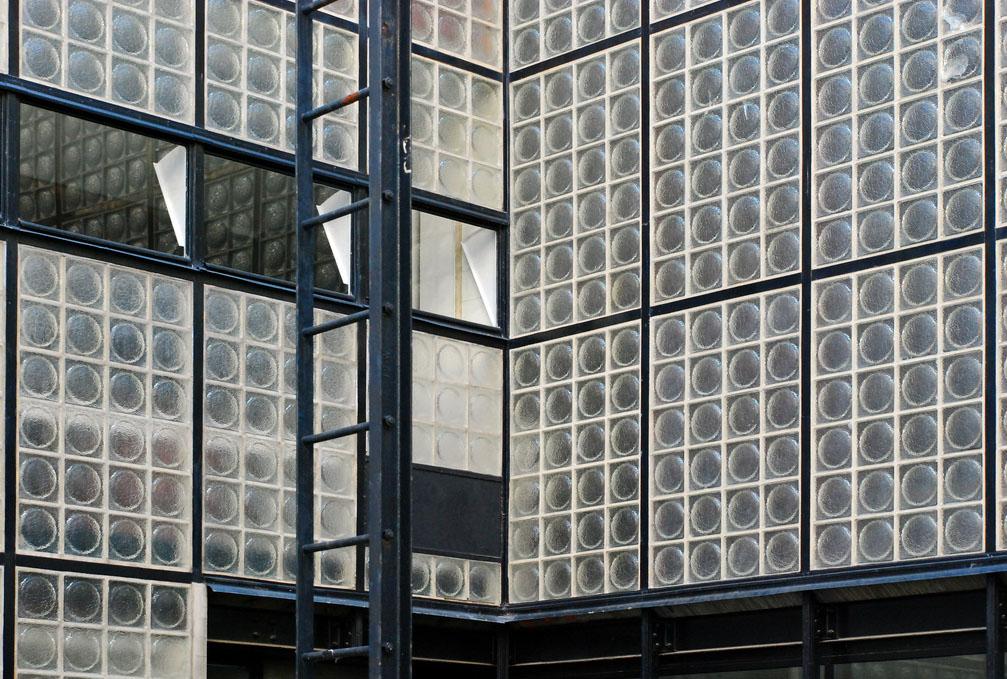 maison de verre french theme steel glass paris architecture pierre chareau. Black Bedroom Furniture Sets. Home Design Ideas