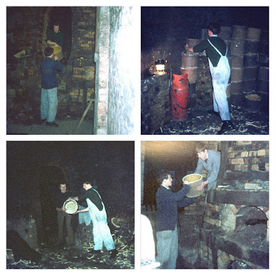 Longton Rescuing about 1500 saggars from the 1939 bottle oven at Garfield Works Longton, prior to demolition. Volunteers empty the oven and take van-loads back to Gladstone Pottery Museum for display Photos: Terry Woolliscroft Collection   Date: Nov 1974