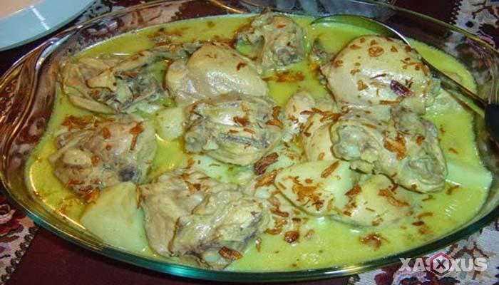 Resep opor ayam Betawi - Cara membuat opor ayam Betawi