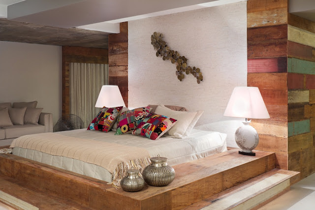 Cama de casal tatame em madeira rústica