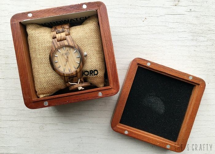 ladies gift guide, what to get ladies for Christmas, wood watch