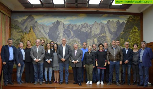 Última Sesión Plenaria Ordinaria para Don José Luis Ibáñez Modrego, el secretario del Cabildo de La Palma