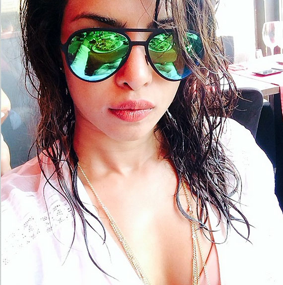priyanka-chopra-selfie-with-goggles