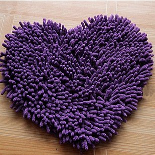 Purple bedroom ideas: heart bedroom decoration