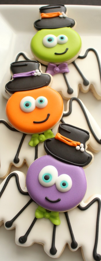 Silly Spider&Bat Cookies via the Sweet Adventures of Sugarbelle