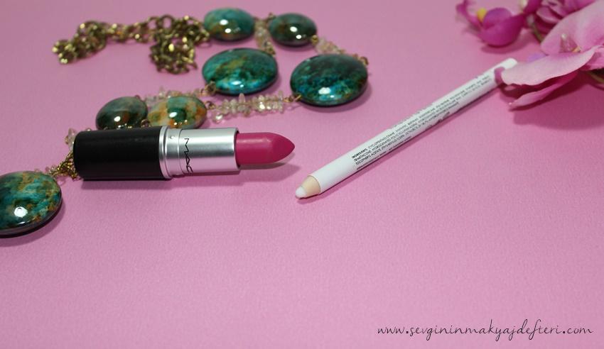 Golden-Rose-Lip-Barrier-makyaj-blogları-www.sevgininmakyajdefteri.com.jpg
