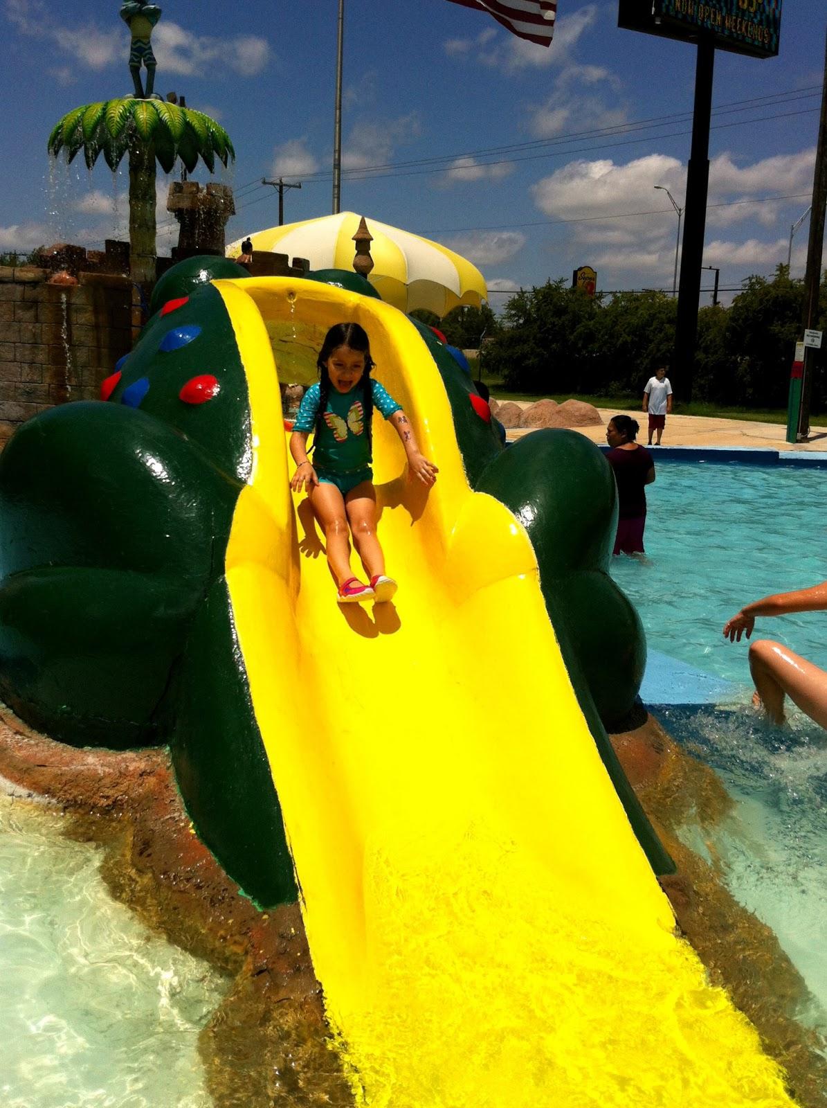 Hot Mama In The City Fun In The Sun At Splashtown San Antonio