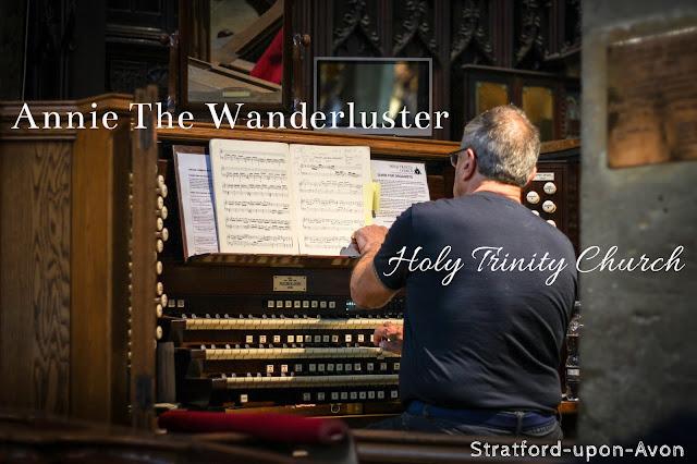 柯茲沃小鎮史特拉福Stratford-upon-Avon organ
