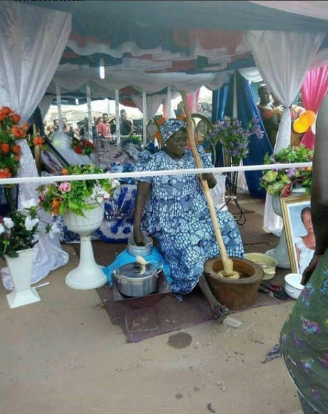 Check this lying-in-state photo of a food vendor in Ghana that has since gone viral