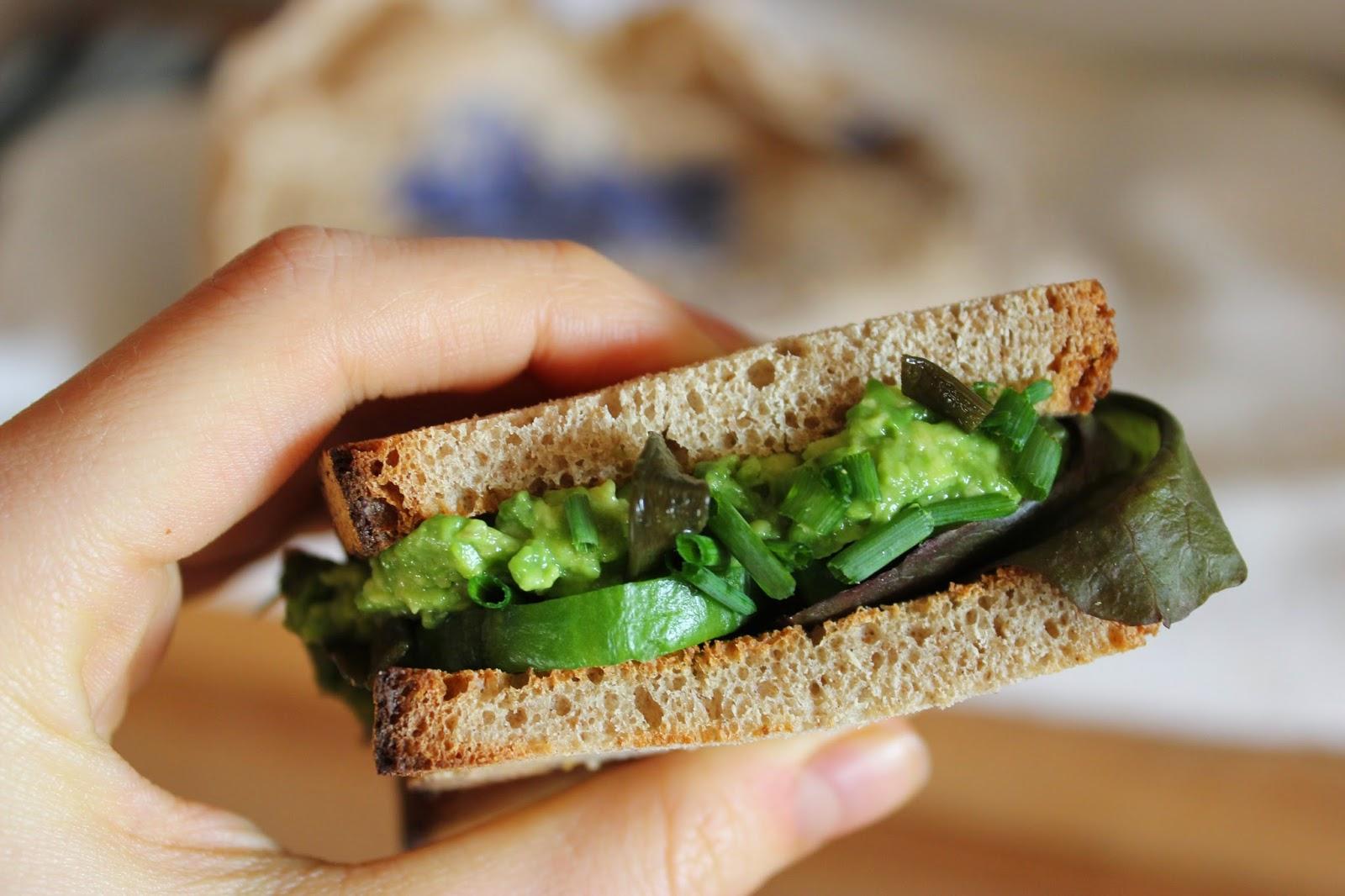 https://cuillereetsaladier.blogspot.com/2015/09/pour-des-sandwichs-vegan-qui-depotent.html