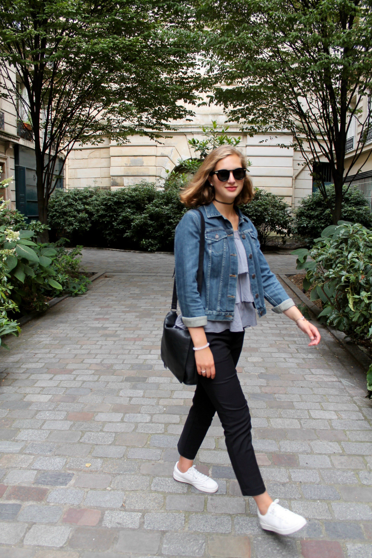 '90s black choker and jean jacket in Paris #ootd #fashion