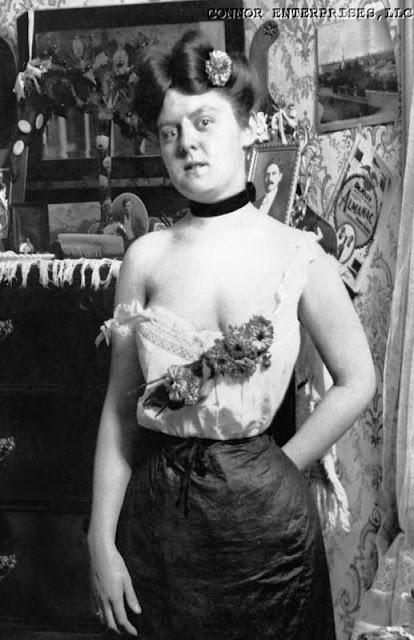 foto wanita tuna susila di jaman dahulu untuk bisnis prostitusi