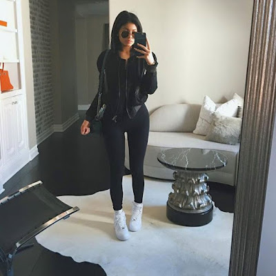 Kylie Jenner hot selfie wearing tight pants