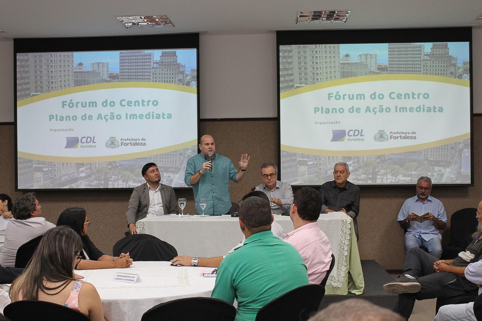 O prefeito de Fortaleza, Roberto Cláudio (PDT) disse que está aberto ao  diálogo para mudar a Lei do Alvará, mas qualificou como