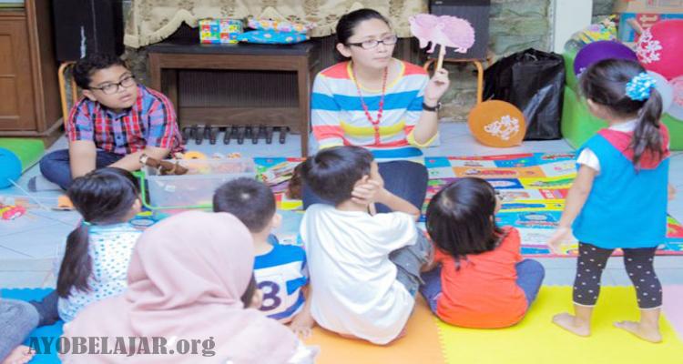 https://www.ayobelajar.org/2018/12/5-manfaat-mendongeng-bagi-anak-usia.html