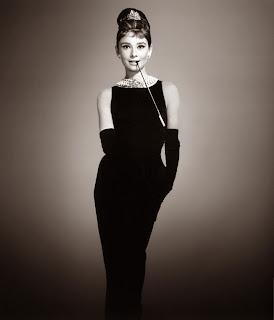 58cbbf29f9 A mobiltokom mintájának ihletője Audrey Hepburn. Csodálatosan szép  színésznő volt.