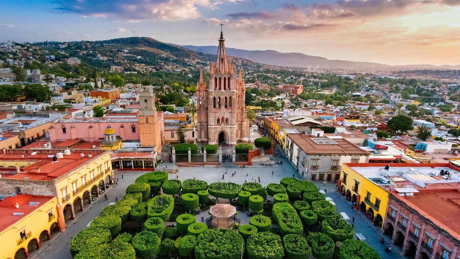 San Miguel de Allende, Mexico © ferrantraite/Getty Images