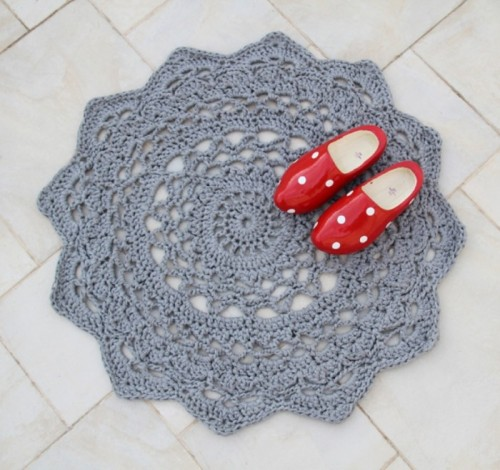 Giant Crocheted Doily Rug - Free Pattern