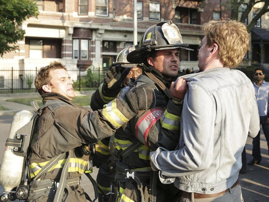 Chicago Fire - Season 2 Episode 03: Defcon 1