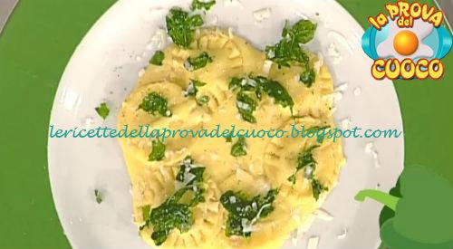 Ravioli prosciutto e noci con fonduta ricetta Improta da Prova del Cuoco