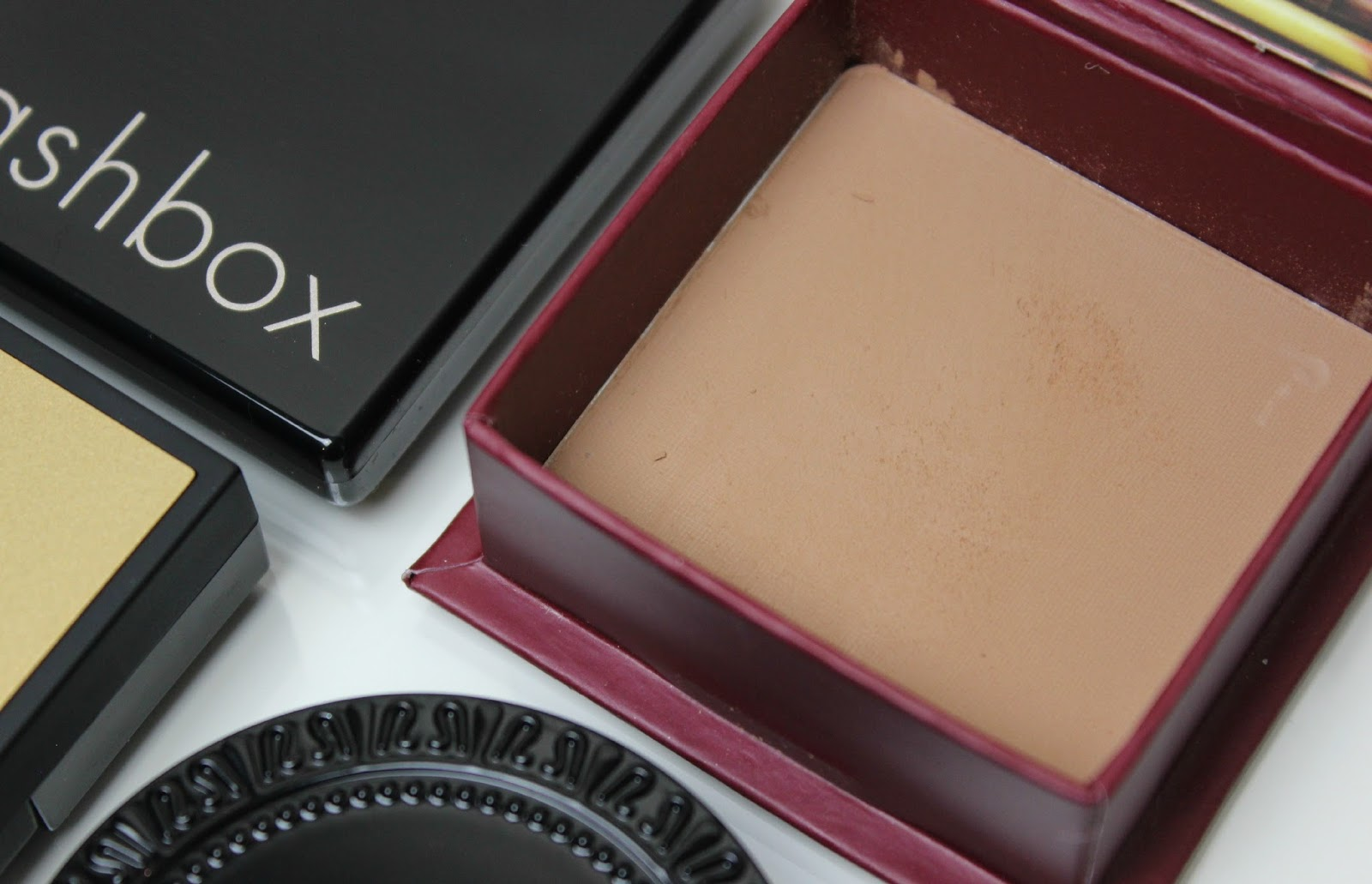 A picture of Benefit Hoola Bronzing Powder