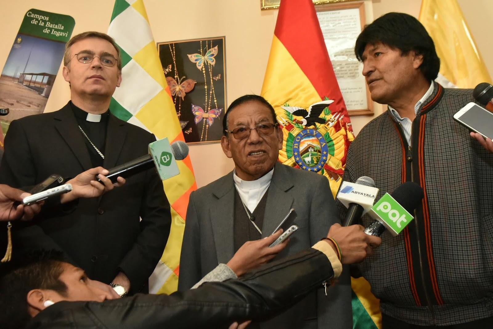 Cardenal Ticona reitera que tiene amistad con el mandatario Morales / ABI