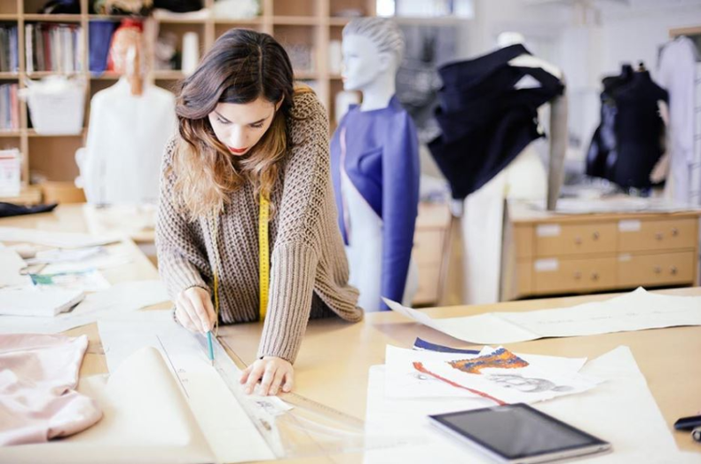 Fashion Designing College Know The Rewards Of Becoming A Fashion Designer