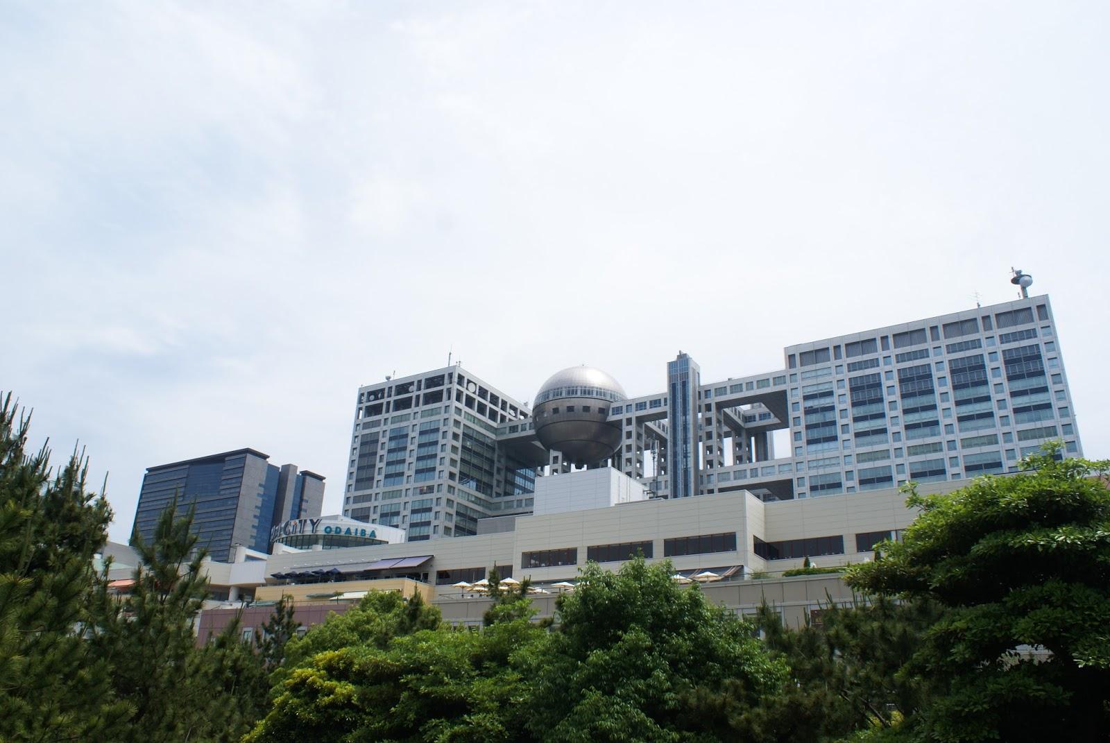 tokyo odaiba japan fuji tv building