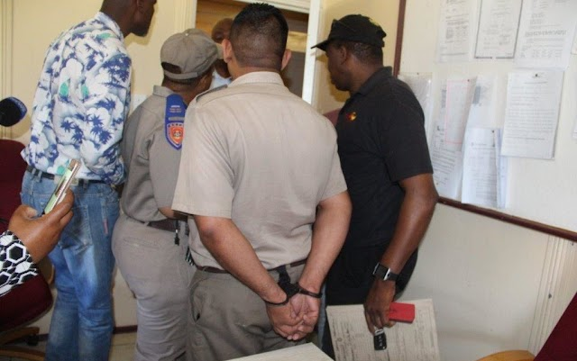 14 people were issued drivers licenses without being examined in exchange for payment of R11 500 to R12 000.
