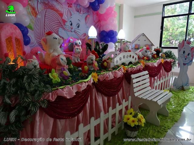 Mesa decorativa Gata Marie para festa de aniversário