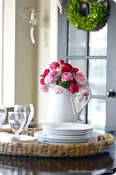 decorating your kitchen table