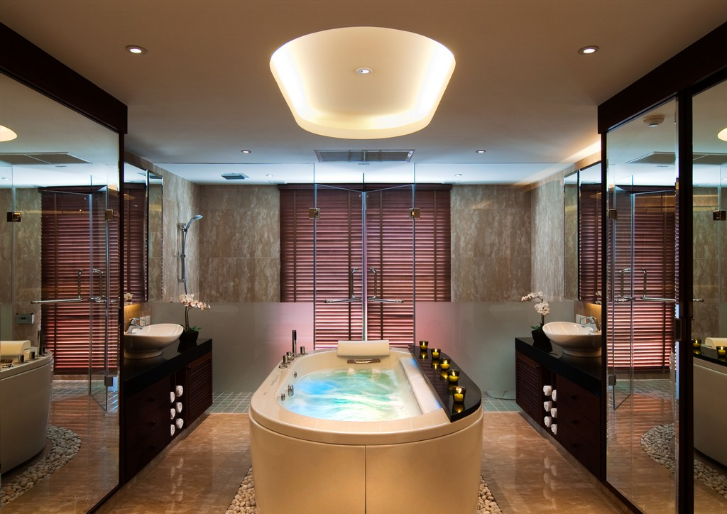 Luxery Bathrooms: Amazing Villa Design With Private Yacht Dock, Phuket