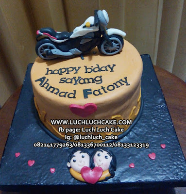 Sepeda Motor Fondant Birthday Cake
