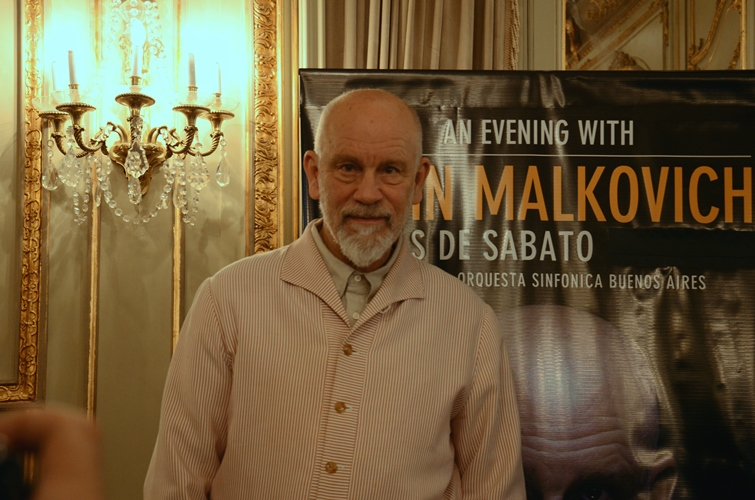 Dentro del espect culo john malkovich lleg a la argentina for Espectaculos argentina 2016