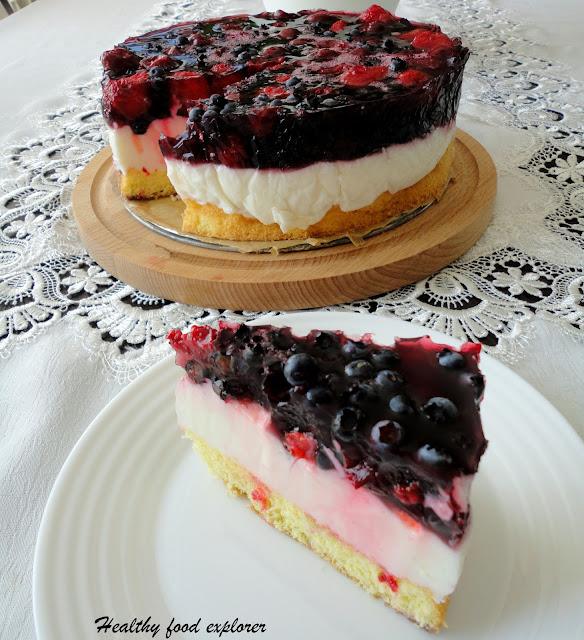 Lekki tort z owocami
