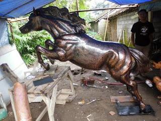 patung kuda tembaga cantik.jpg