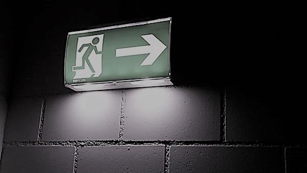 Justificación de la iluminación ordinaria y de emergencia en un proyecto eléctrico  Ejercicios Resueltos