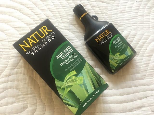 [REVIEW] Punya Masalah Rambut ? Coba Rangkaian Terbaru Produk Natur