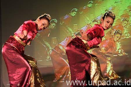 POTO TARI JAIPONG ATAU JAIPONGAN - Apick_Aw0x'z